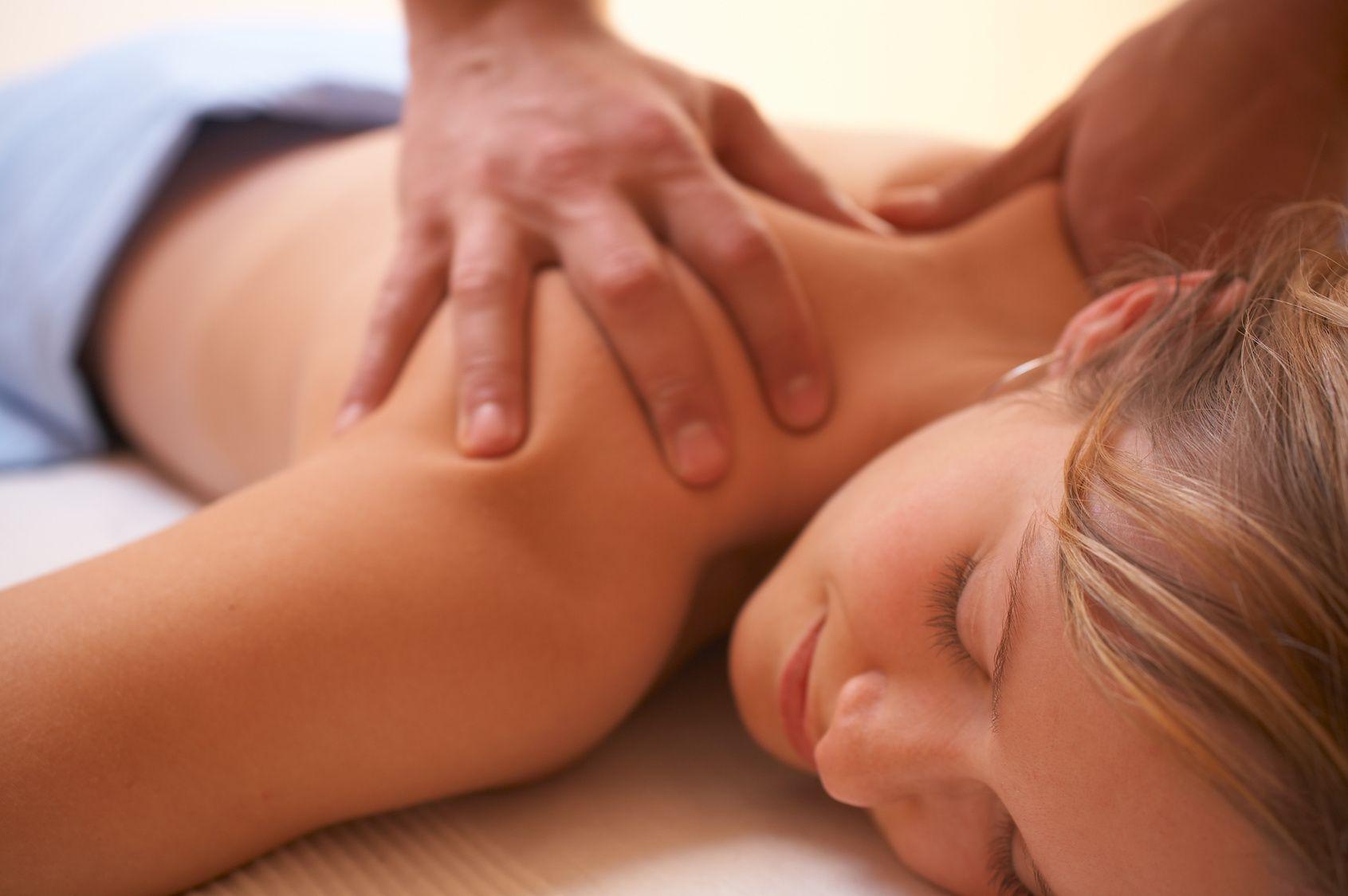 Эротический массаж женщине. Как правильно делать эротический массаж женщине